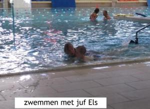 ik oefen wekelijks in het zwembad van Zoetermeer met Juf Els van stichting Dolfijn (hoe toepasselijk..)