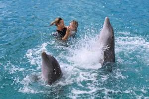 dansen in het water met Lisa, Bonnie en Sami