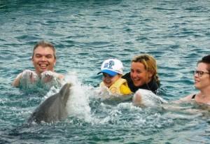 grote spetterlol tijdens de family swim