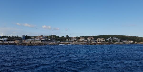 Het CDTC vanaf de zee.