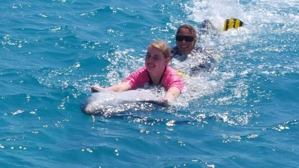 Nog even heel hard samen door het water!